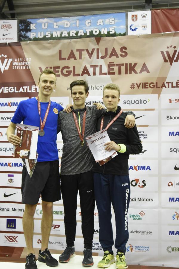 Latvijas U20 čempionātā telpās vieglatlētiem četras medaļas