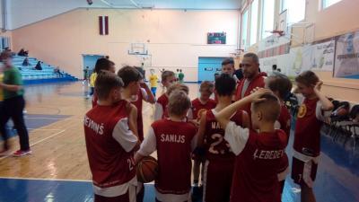 U12 basketbolistu cīņās Talsos.